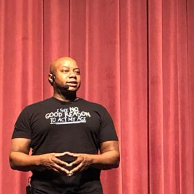 Mykee Fowlin Inspires Coolidge Students!